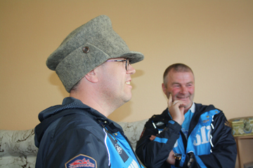Три новые шляпы и суровое сибирское гостеприимство – «Шляпники» едут в Барнаул