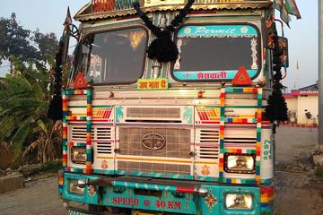 «Тростник сладкий, а жизнь – нет». День 6-й. «Hat Master» попрощался с Индией и дважды пересек границу Непала
