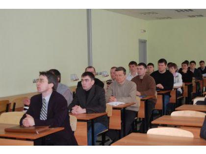 В первом полугодии на кировских предприятиях прошли переподготовку или получили новую специальность 470 человек